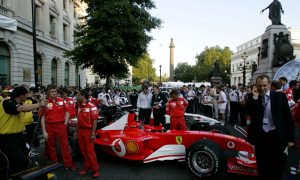 London gets live pre-Grand Prix street demo