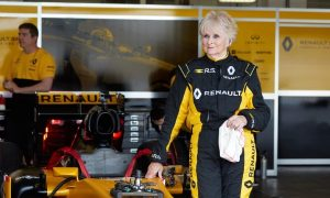 Video: Rosemary Smith is 79 and she just tested a Renault F1 car!