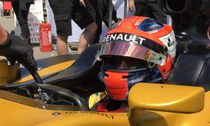 Kubica drives 2017-spec car in Renault simulator