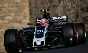 Magnussen considers Grosjean faster than Button 'on his day'