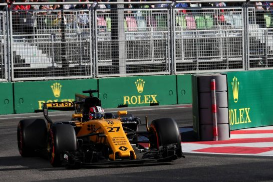 Nico Hulkenberg (GER) Renault Sport F1 Team RS17. 25.06.2017. Formula 1 World Championship, Rd 8, Azerbaijan Grand Prix, Baku Street Circuit, Azerbaijan, Race Day. - www.xpbimages.com, EMail: requests@xpbimages.com - copy of publication required for printed pictures. Every used picture is fee-liable. © Copyright: Photo4 / XPB Images