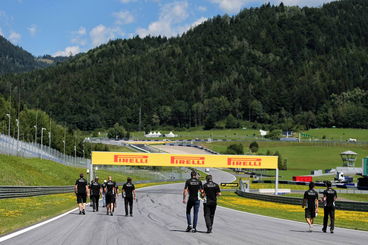 The Sahara Force India F1 Team walk the circuit. 06.07.2017. Formula 1 World Championship, Rd 9, Austrian Grand Prix, Spielberg, Austria, Preparation Day. - www.xpbimages.com, EMail: requests@xpbimages.com - copy of publication required for printed pictures. Every used picture is fee-liable. © Copyright: Moy / XPB Images