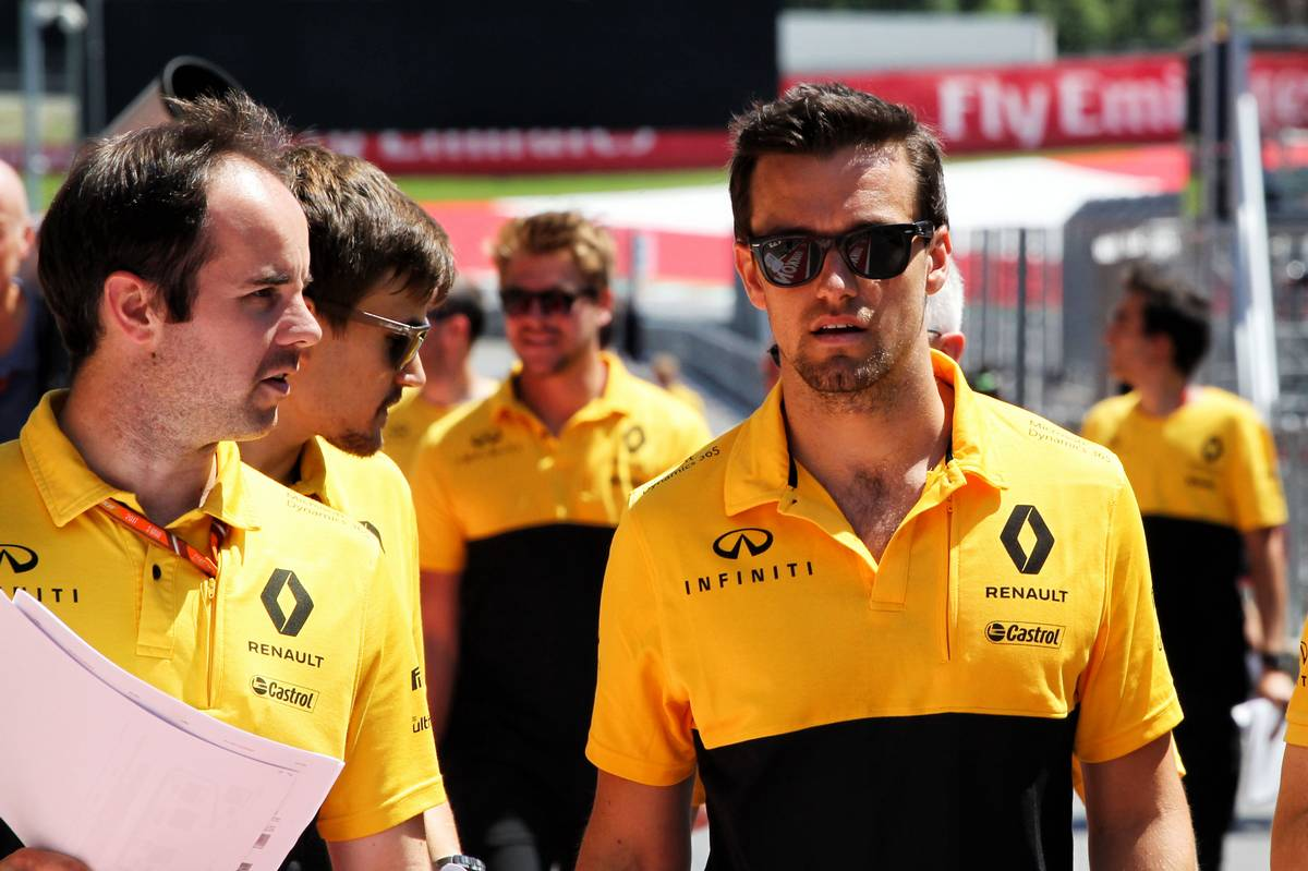 Jolyon Palmer (GBR) Renault Sport F1 Team. 06.07.2017. Formula 1 World Championship, Rd 9, Austrian Grand Prix, Spielberg, Austria, Preparation Day. - www.xpbimages.com, EMail: requests@xpbimages.com - copy of publication required for printed pictures. Every used picture is fee-liable. © Copyright: Photo4 / XPB Images