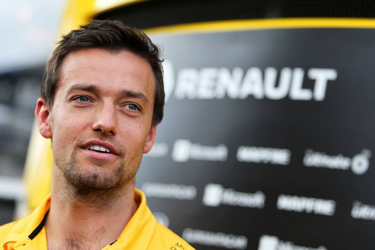 Jolyon Palmer (GBR) Renault Sport F1 Team. 06.07.2017. Formula 1 World Championship, Rd 9, Austrian Grand Prix, Spielberg, Austria, Preparation Day. - www.xpbimages.com, EMail: requests@xpbimages.com - copy of publication required for printed pictures. Every used picture is fee-liable. © Copyright: Moy / XPB Images