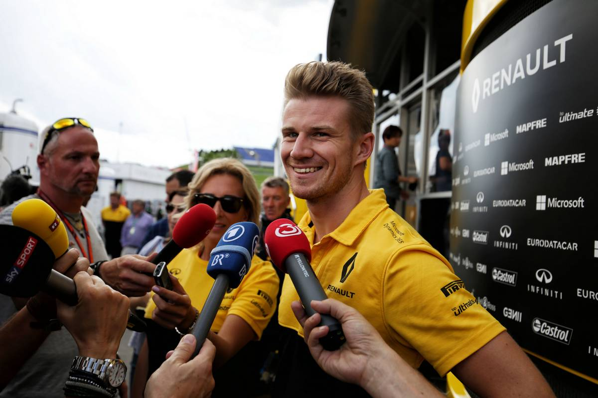 Nico Hulkenberg (GER) Renault Sport F1 Team with the media. 06.07.2017. Formula 1 World Championship, Rd 9, Austrian Grand Prix, Spielberg, Austria, Preparation Day. - www.xpbimages.com, EMail: requests@xpbimages.com - copy of publication required for printed pictures. Every used picture is fee-liable. © Copyright: Moy / XPB Images