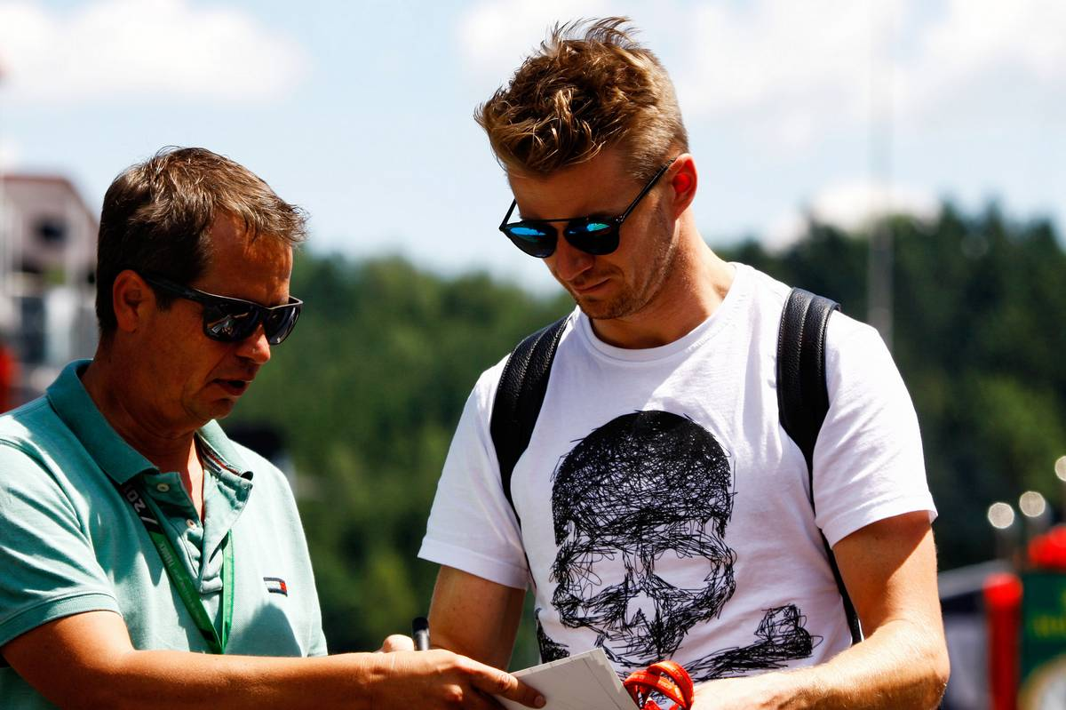 Nico Hulkenberg (GER) Renault Sport F1 Team signs autographs for the fans. 06.07.2017. Formula 1 World Championship, Rd 9, Austrian Grand Prix, Spielberg, Austria, Preparation Day. - www.xpbimages.com, EMail: requests@xpbimages.com - copy of publication required for printed pictures. Every used picture is fee-liable. © Copyright: Photo4 / XPB Images