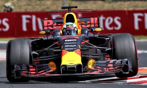 Ricciardo stays fastest; FP2 hit by more red flags