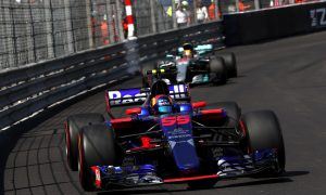 Sainz: 'Top teams are in a different category'