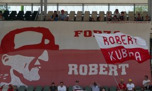 Kubica pays tribute to 'incredible' Polish fans
