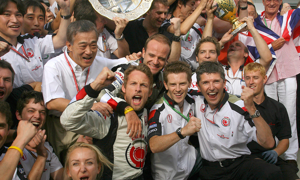 Jenson Button and team mates celebrate victory in 2006 Hungarian Grand Prix