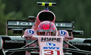 Ocon seeks to cool row with Force India team mate Perez