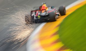 Rear wing gambit fails to pay off for Ricciardo