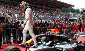 Hamilton fends off Vettel to clinch Spa victory