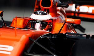 Vandoorne puts one over on Alonso with mega qualifying run