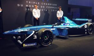 Electric blue lights up Renault e.dams