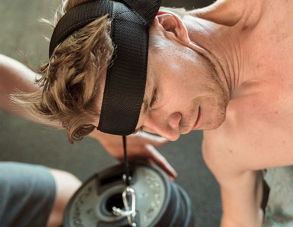 Renault's Nico Hulkenberg trainign in the gym. © Twitter.com/ HulkHulkenberg