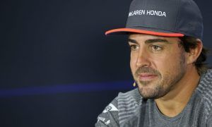Alonso still weighing options - giving McLaren time