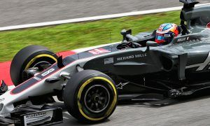 Grosjean unhurt after scary FP2 crash in Malaysia