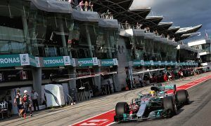 Hamilton on pole, Vettel at rear for Malaysia GP