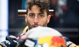 Ricciardo unconsolable: 'The weekend's turned to crap'