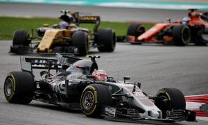 Magnussen: 'Just let us fight our battles!'