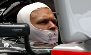 Haas' Steiner gives Magnussen two thumbs up