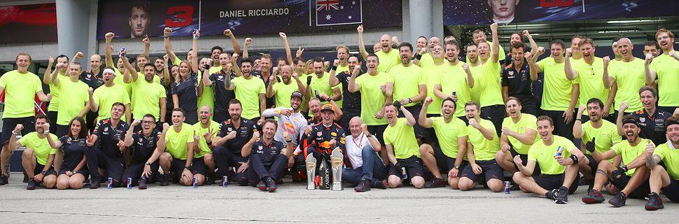 Red Bull celebrate success in the 2017 Malaysian Grand Prix