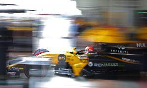 Japanese F1 Grand Prix Practice Renault