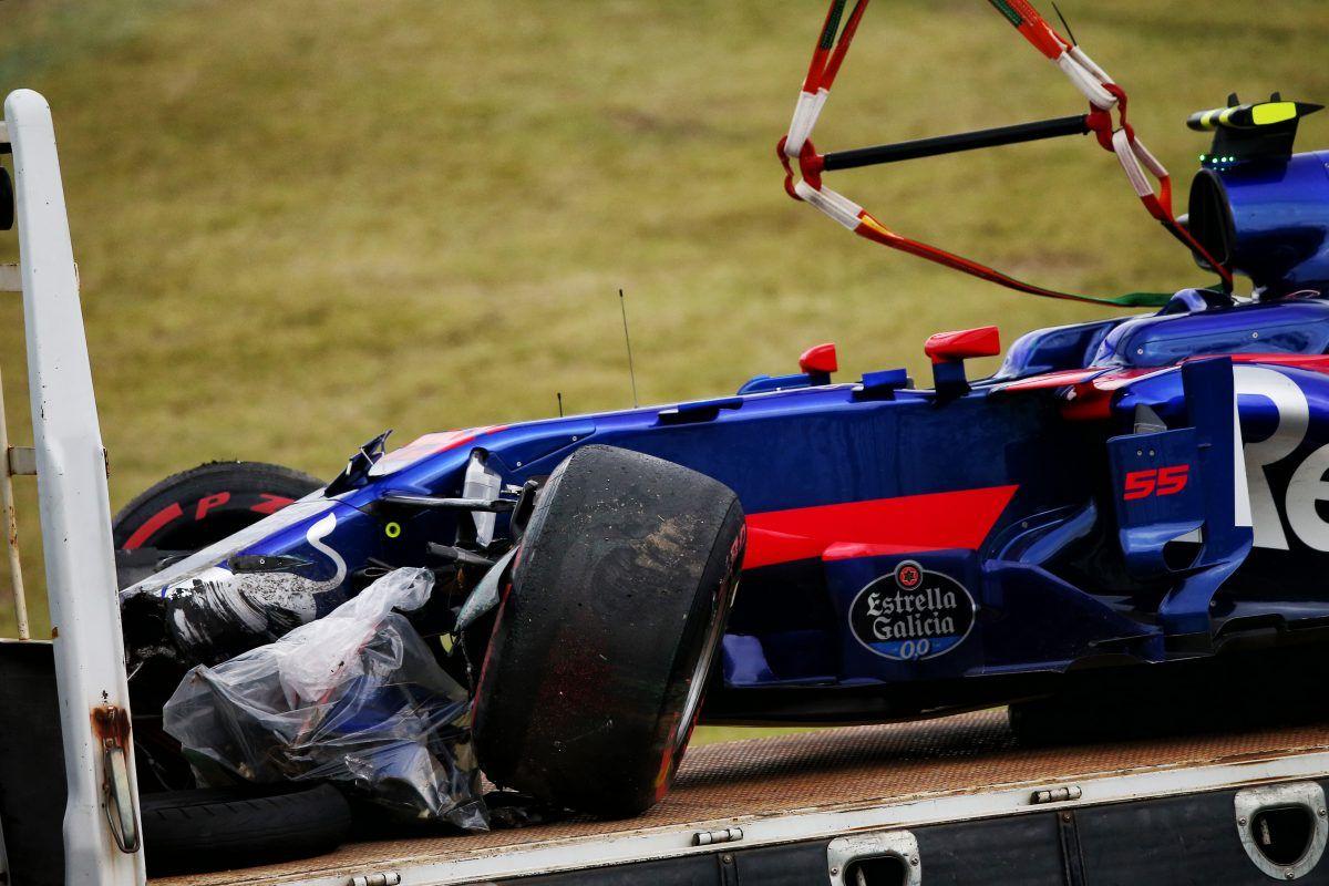 Japanese F1 Grand Prix Practice Carlos Sainz Crash Toro Rosso