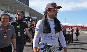Alonso leaves Japan with a penalty but no decision on 2018