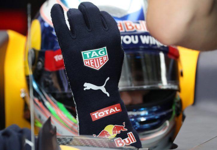Red Bull's Daniel Ricciardo - Biometric glove