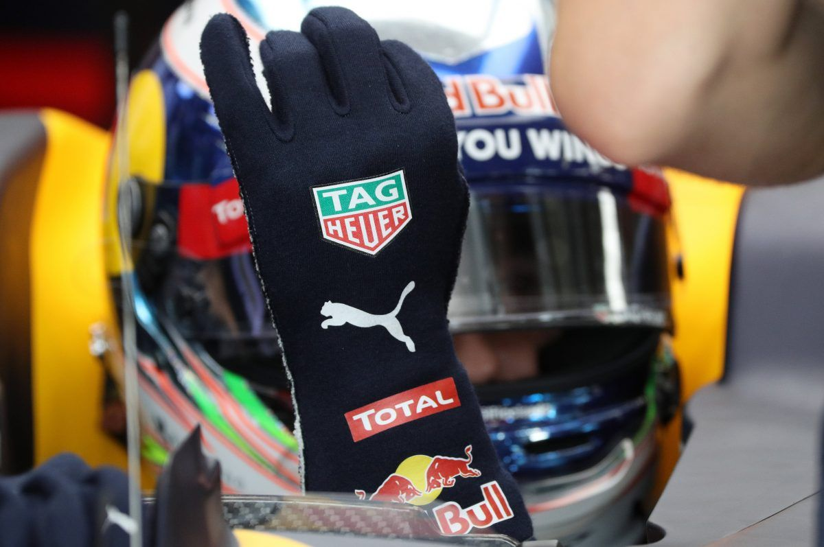 Biometric Gloves To Help Monitor F1 Drivers In 2018