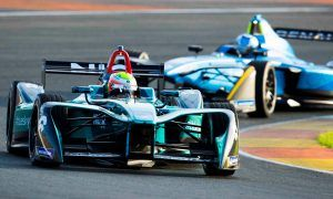 Sturdy Turvey sets the pace in Valencia