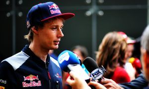 Hartley offers Kvyat some career advice