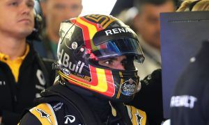Sainz fends off Red Bull switch rumors... already!