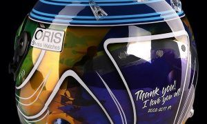 Massa reveals special 'I love you all' farewell helmet