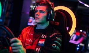 World's Fastest Gamer gets official McLaren simulator role!