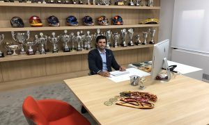 Sainz at his new desk, like a boss
