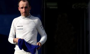Williams' Lowe gives Kubica a clean bill of health