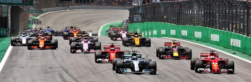 Start of the 2017 Brazilian Grand Prix