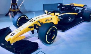 A mellow yellow Lego Renault R.S.17!