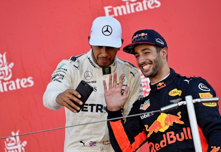 Horner - Hamilton 'foolish' to discard Ricciardo