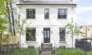 Hamilton splashes out a fortune for new London pad