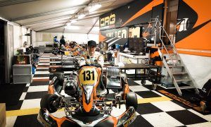 Suited and booted Vandoorne starts rolling