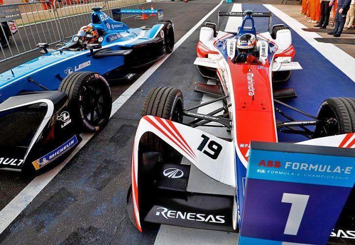 Felix Rosenqvist (Mahindra) beats Sébastian Buemi (Renault) in the Marrakesh ePrix