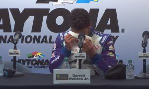 Hamilton's favourite enjoys emotional overflow at Daytona