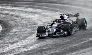 Ricciardo puts new RB14 on the track!