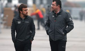 Boullier unconcerned by Alonso's grueling schedule