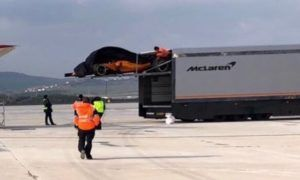 A gust of wind blows apart McLaren's cover!