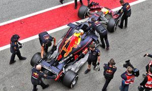 Horner worried by Renault's safety-first approach